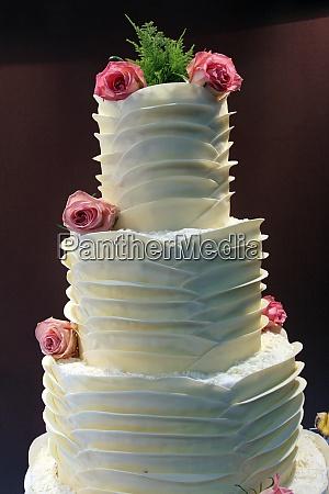 delicious decorated wedding cake