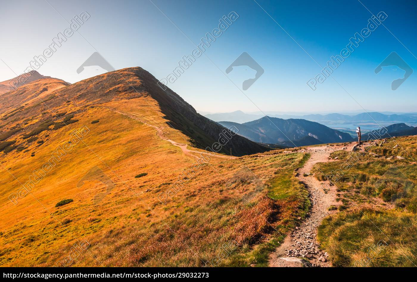 hiking, trail, in, the, mountains - 29032273