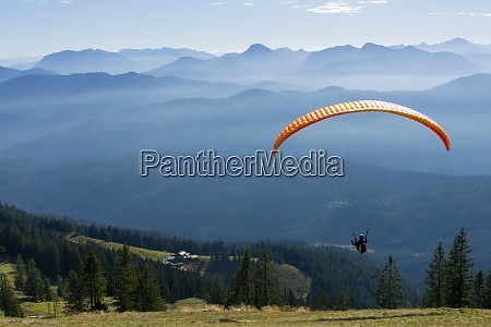 paragliding in the alpine upland