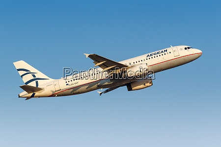 aegean airlines airbus a320 airplane athens