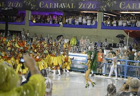 samba, parade, at, the, 2020, carnival, - 29040068