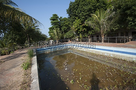a swimming pool with water