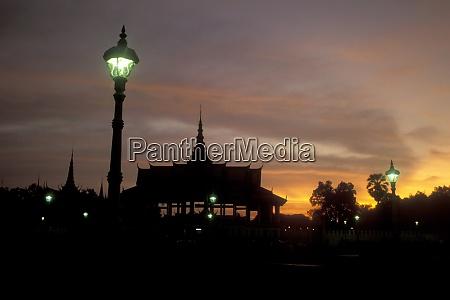 cambodia phnom penh royal palace park