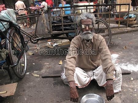 streets of kolkata thousands of beggars