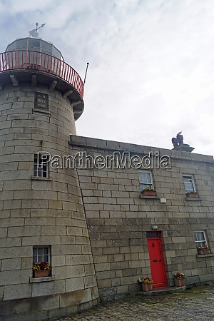 old howth harbour lighthouse