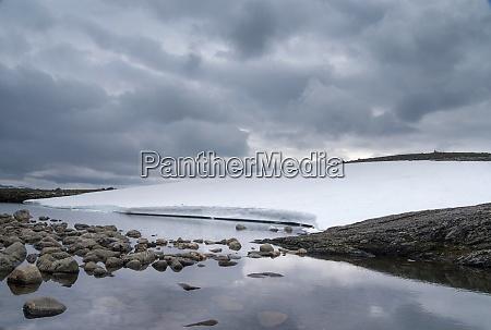 snow covered aurlandsfjellet