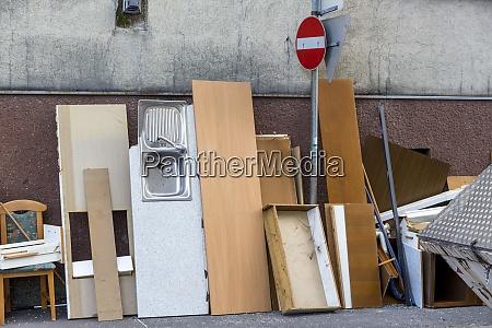 austria bulk rubbish on pavement