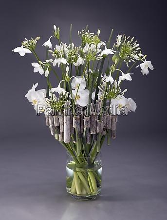 floral arrangement of polygonum allium