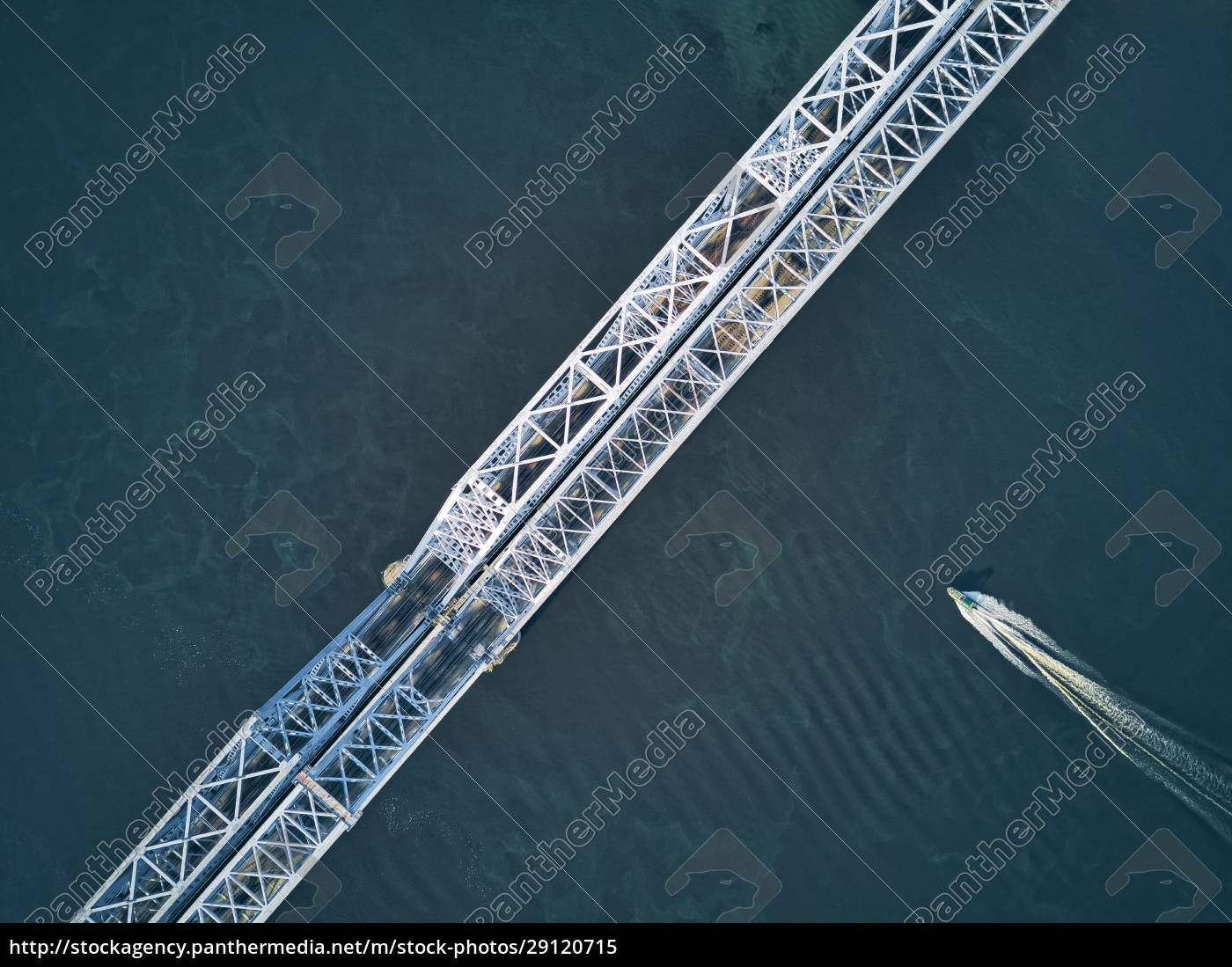 directly, above, aerial, view, of, boat - 29120715