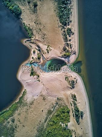 green, algae, by, beach, at, volga - 29120493