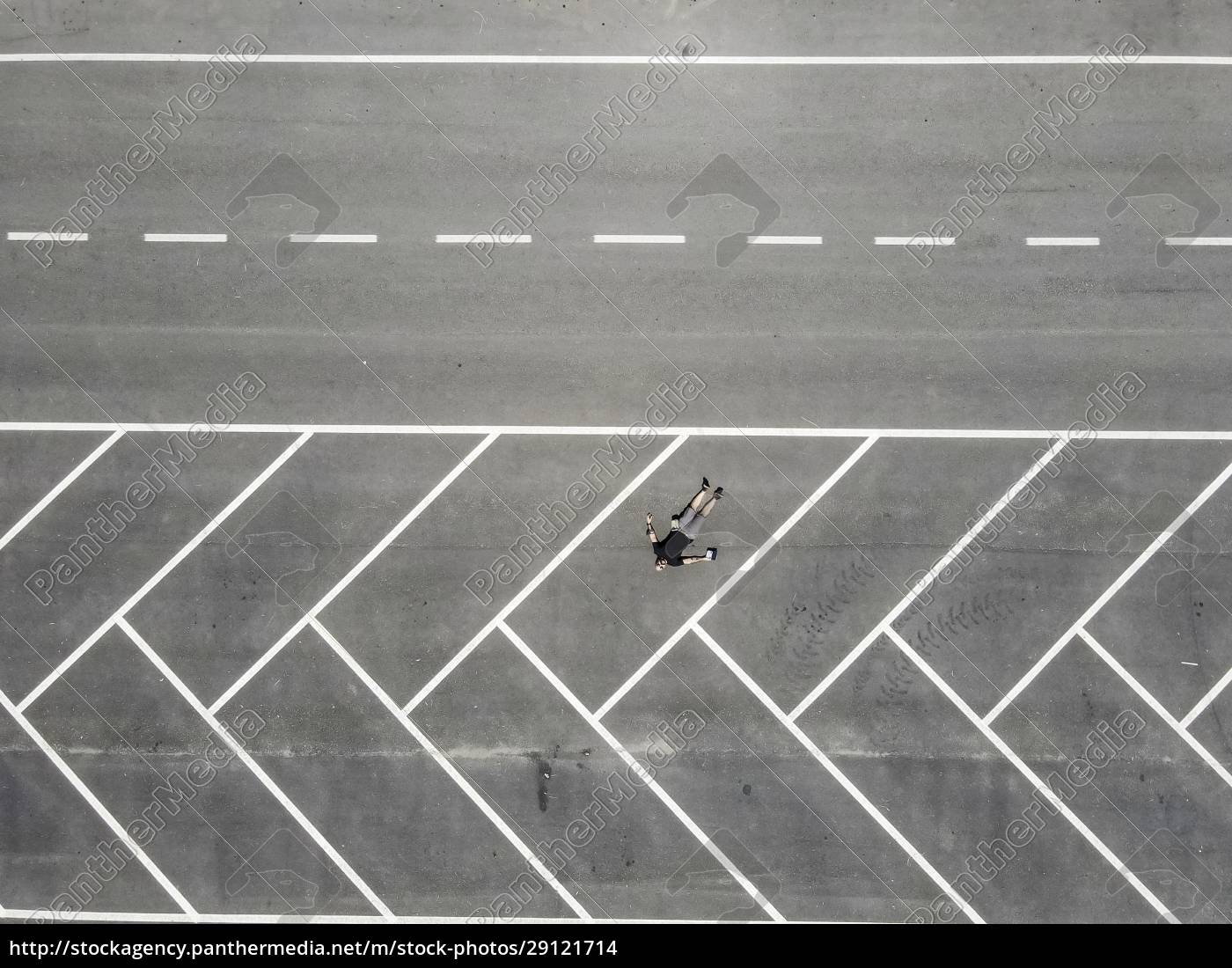 drone, view, of, man, lying, on - 29121714