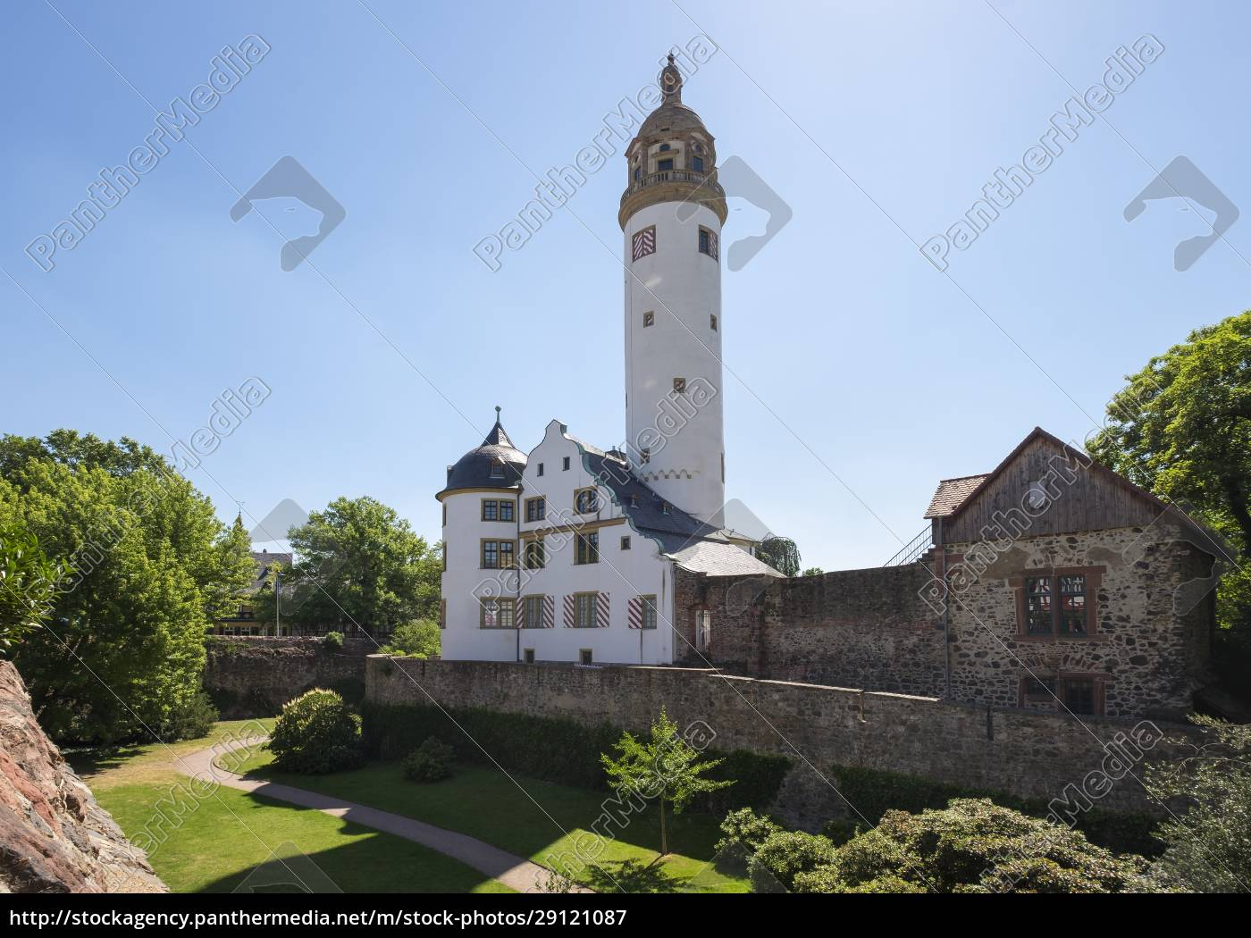 germany, , hesse, , frankfurt-hoechst, , old, castle - 29121087