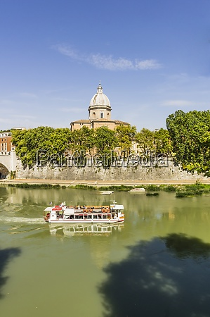 italy rome view to tourboat on