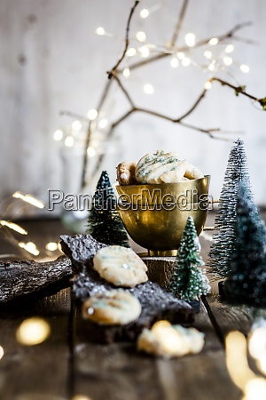 christmas decorations and freshly baked lemon