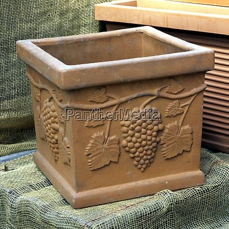 terracotta blumenkuebel