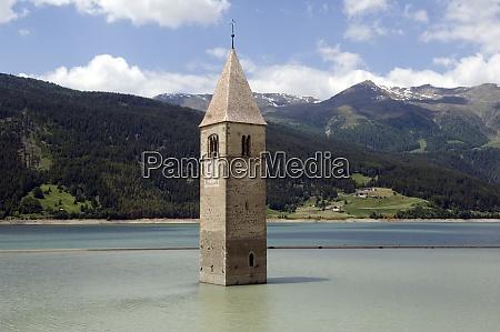 kirchturm von alt graun reschensee