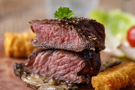 steak slices with croquettes