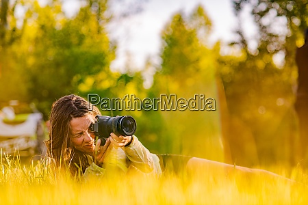 photographer amongst plants ontario canada
