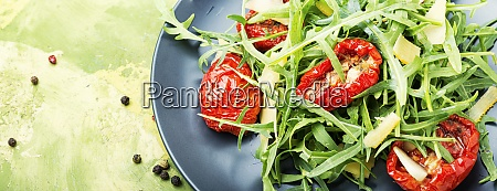 salad with sun dried tomatoes and