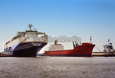 cargo ships in bremerhaven