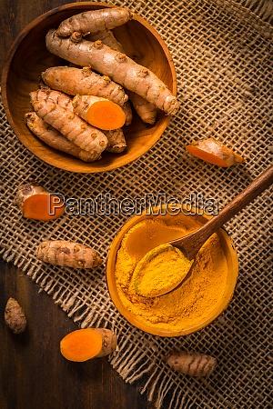 turmeric root and powder curcuma longa