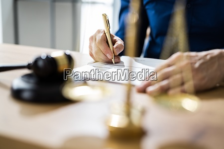 legal contract document arbitration