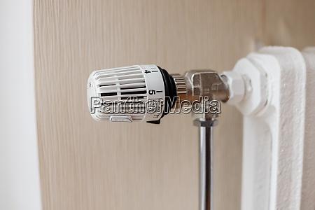thermostat on heating cast iron radiator