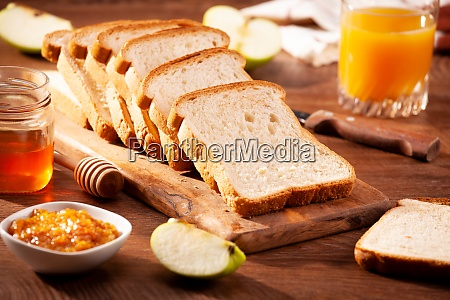 slices of loaf bread for breakfast