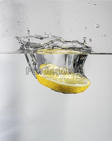 lemon splash in water