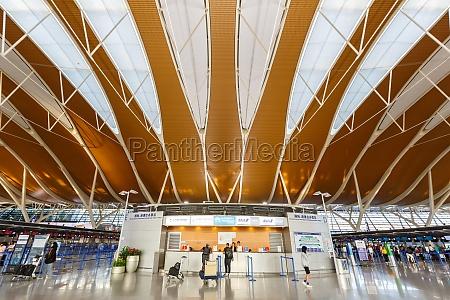 shanghai pudong international airport terminal 2