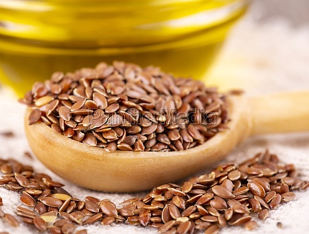 the brown flax seeds and flaxseed