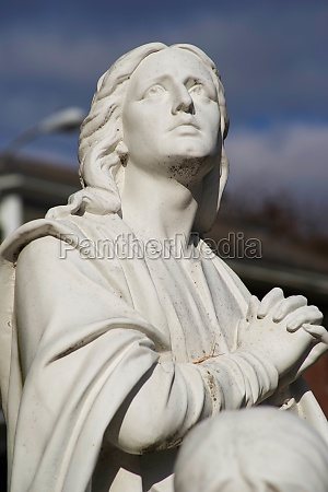 mary magdalen cemetery statue