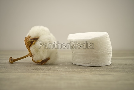 stack of round cotton pads and