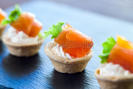 mini smoked salmon pastry tartlets for
