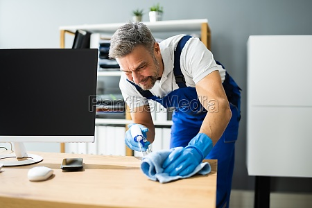 professional workplace janitor service