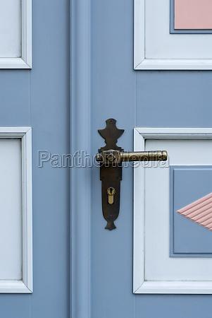 close up of a door handle