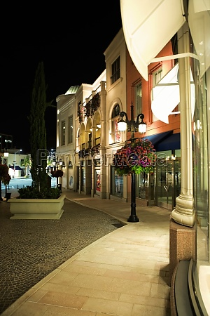 sidewalk of rodeo drive at night
