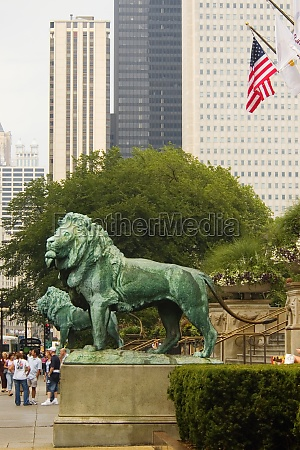 statues of lions chicago illinois usa