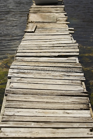 pier in the sea providencia y
