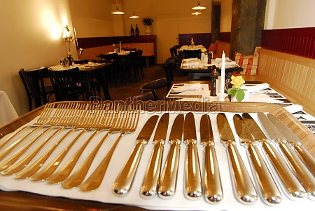 the table setting in gastronomy