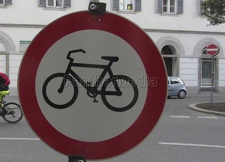 cycling ban road traffic sign