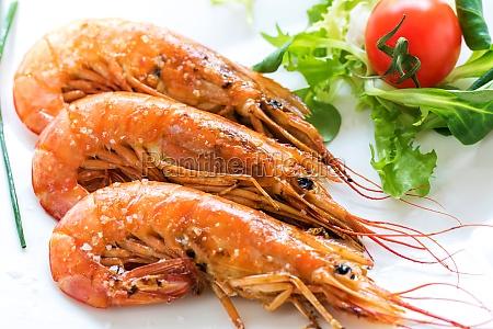appetizing grilled jumbo prawns