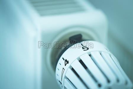 heat regulator on a heater close