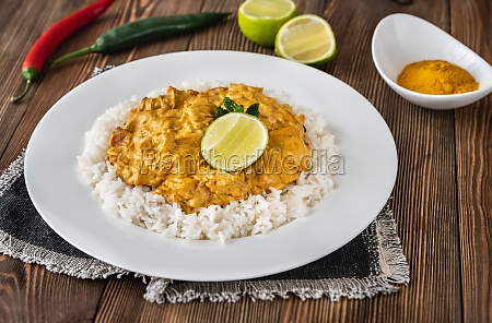 portion of chicken curry