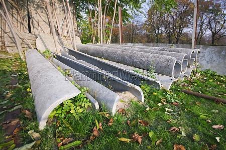 concrete pieces of berlin wall