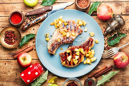 steak with caramelized apple in a