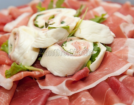 roll with tomato mozzarella cheese raw