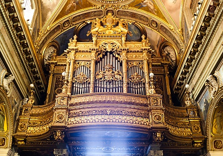pipe organ of the shrine of