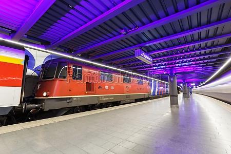 sbb locomotive re 420 train at