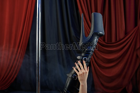 sensual showgirl legs pole dance striptease